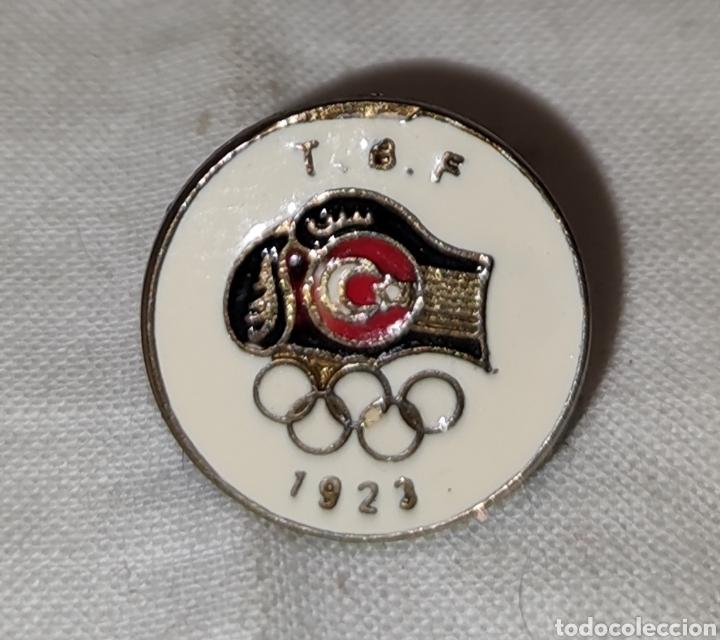 Coleccionismo deportivo: PIN T B F - JUEGOS OLIMPICOS - 1923 -Türkiye Basketbal Federasyonu - Fed de Baloncesto de Turquia - Foto 3 - 242880195