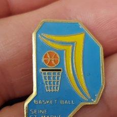 Coleccionismo deportivo: PIN BALONCESTO SEINE ET MARNE FRANCIA. Lote 254392420