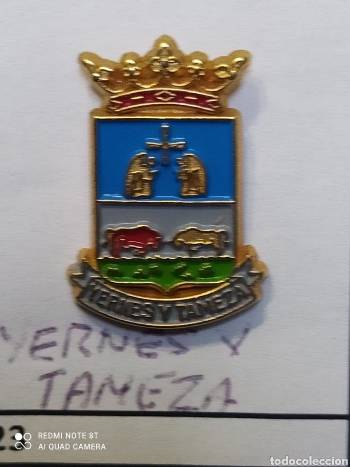 INSIGNIA HERÁLDICOS YERNES Y TAMEZA ASTURIAS (Coleccionismo Deportivo - Pins otros Deportes)