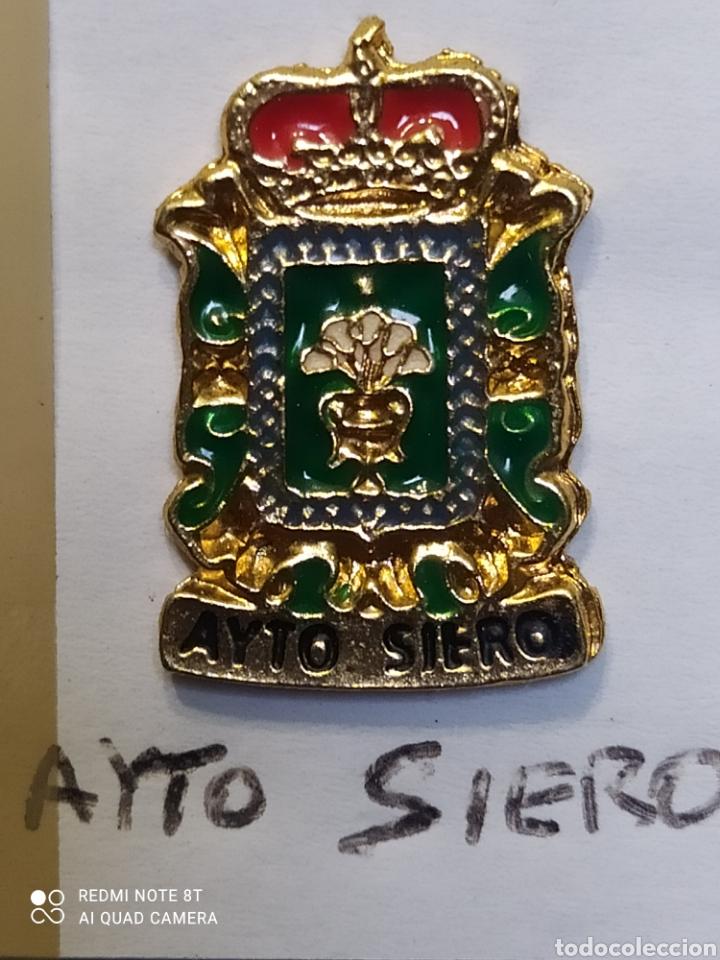 INSIGNIA HERÁLDICOS. SIERO. ASTURIAS (Coleccionismo Deportivo - Pins otros Deportes)