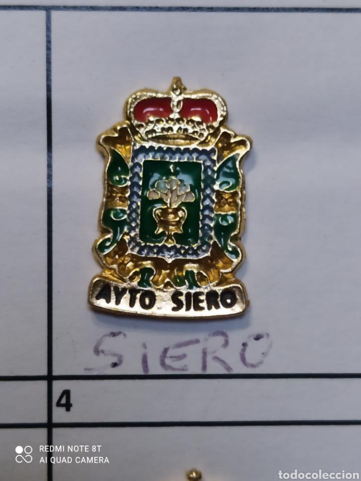 INSIGNIA HERÁLDICOS SIERO ASTURIAS (Coleccionismo Deportivo - Pins otros Deportes)