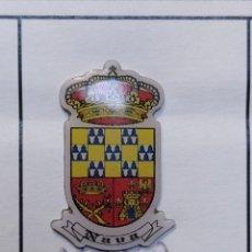 Coleccionismo deportivo: INSIGNIA HERÁLDICOS NAVA ASTURIAS. Lote 261987820