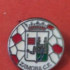 Coleccionismo deportivo: PINS DE FÚTBOL. OFICIAL. ZAMORA CF CASTILLA Y LEÓN. Lote 262050680