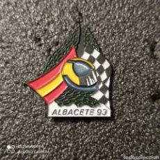 Coleccionismo deportivo: PIN CAMPEONATO DE ESPAÑA DE MOTOCICLISMO - ALBACETE 93. Lote 266021238