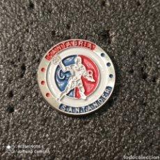 Coleccionismo deportivo: PIN CLUB BALONMANO CANTABRIA - SANTANDER. Lote 266172143