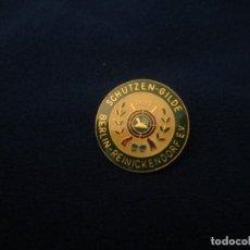 Coleccionismo deportivo: PIN ALFILER ANTIGUO CAZA. Lote 276791018