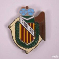 Coleccionismo deportivo: CLUB PETANCA - ALELLA - INSIGNIA METAL ESMALTADO GRAN TAMAÑO 5 X 6,5CM. Lote 278328708