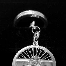 Coleccionismo deportivo: LLAVERO CICLISMO BIKE EN PLATA DE LEY - 3CMS - 12GRS. Lote 295790343
