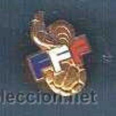 Coleccionismo deportivo: F.F.F. FEDERATION FRANÇAISE DE FOOTBALL. INSIGNIA DEPORTIVA ANTERIOR A 1970. Lote 23864894