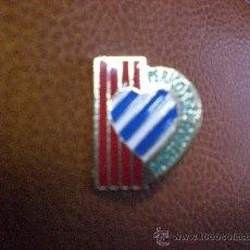 Coleccionismo deportivo: PIN PEÑA PENYA PERICOS DEL POBLENOU ESPANYOL ESPAÑOL. Lote 17730542