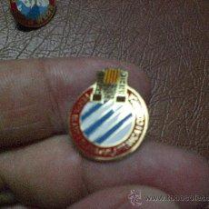 Coleccionismo deportivo: PIN PEÑA ESPANYOL ESPAÑOL PENYA ESPANYOLISTA BLANC I BLAVA VILAFRANCA Y COMARCA. Lote 23690871