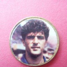 Coleccionismo deportivo: PIN DE JUGADOR DEL BARÇA. Lote 25651976