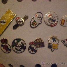 Coleccionismo deportivo: LOTE COLECCION DE 10 PINS INSIGNIAS PEÑA S MADRIDISTA REAL MADRID PIN. Lote 15521985