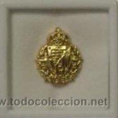 Coleccionismo deportivo: INSIGNIA PIN VALLADOLID CHAPADA EN ORO DE 24 QUILATES ( ENVÍO ORDINARIO GRATIS ). Lote 27607905