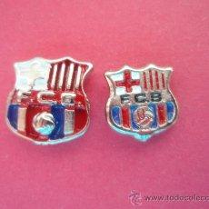 Coleccionismo deportivo: ESCUDOS DEL F.C.BARCELONA PEQUEÑO Y MEDIANO. Lote 27524421