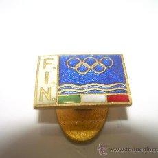 Coleccionismo deportivo: ANTIGUO ESCUDO DE SOLAPA F.I.N. (ESMALTADO). Lote 17822247