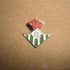 Coleccionismo deportivo: INSIGNIA DE REAL CLUB DE FUTBOL BETIS. Lote 17859535
