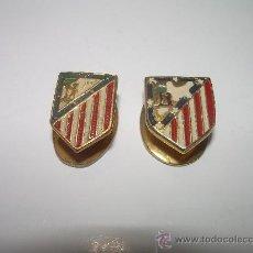 Coleccionismo deportivo: DOS INSIGNIAS ATLETICO MADRID (DIFERENTES). Lote 24231199