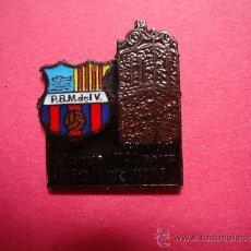 Coleccionismo deportivo: RARO PIN'S DE LA PEÑA BARCELONISTA DE MOLLET DEL VALLES. Lote 27079583