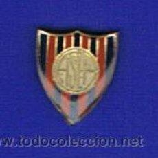Coleccionismo deportivo: PIN DEPORTIVOS, EQUIPO FÚTBOL. Lote 21473830