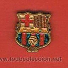 Coleccionismo deportivo: PIN DEPORTIVOS, EQUIPO FÚTBOL ESPAÑA, F.C. BARCELONA. Lote 20482571