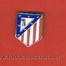 Coleccionismo deportivo: PIN DEPORTIVOS, EQUIPO FÚTBOL ESPAÑA, C. ATLÉTICO DE MADRID. Lote 20645105