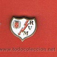 Coleccionismo deportivo: PIN DEPORTIVOS, EQUIPO FÚTBOL ESPAÑA, A.D. RAYO VALLECANO DE MADRID. Lote 20645225