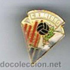 Coleccionismo deportivo: PIN DEPORTIVOS, EQUIPO DE FÚTBOL ESPAÑA, C.D. MATARÓ. Lote 22647734
