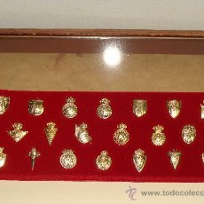 Coleccionismo deportivo: COLECCION 20 PINS INSIGNIAS ORO CLUBS DE FUTBOL LIGA 2003/2004. BETIS, CELTA, OSASUNA, MÁLAGA. . Lote 24237910