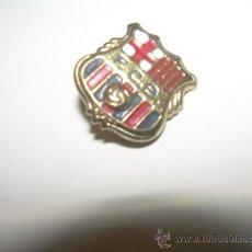 Coleccionismo deportivo: ANTIGUA INSIGNIA....F.C. BARCELONA. Lote 24341013