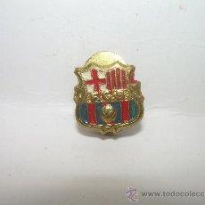 Coleccionismo deportivo: ANTIGUA INSIGNIA......F.C.BARCELONA. Lote 30839181