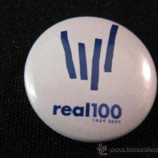 Coleccionismo deportivo: CHAPA PIN REAL SOCIEDAD CON EL LOGO CENTENARIO. Lote 42568576