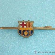Coleccionismo deportivo: ANTIGUA AGUJA DE CORBATA DEL FUTBOL CLUB BARCELONA, BARÇA. AÑOS 60 O 70. . Lote 31921956