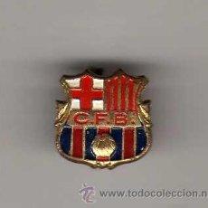 Coleccionismo deportivo: INSIGNIA DE AGUJA - CF BARCELONA. Lote 32638358