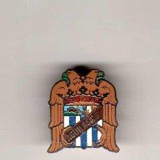 Coleccionismo deportivo: INSIGNIA SOLAPERA - AGUILAS CF. Lote 32638372