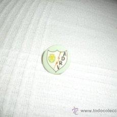 Coleccionismo deportivo: PIN ESCUDO RAYO VALLECANO CF FUTBOL. Lote 32858647