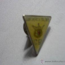 Coleccionismo deportivo: PIN FUTBOL CAMPOHERMOSO BALONPIE. Lote 33131329