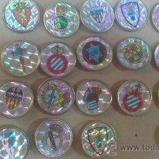 Coleccionismo deportivo: -LOTE DE 19 PINS,EQUIPOS DE FUTBOL-. Lote 33408473