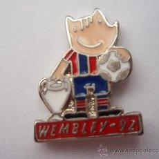 Collectionnisme sportif: PIN DEL F.C.BARCELONA COBI WEMBLEY 92 PIE ROJO. Lote 34000607