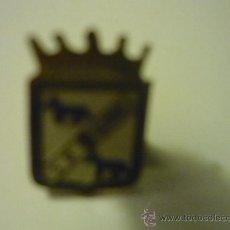 Coleccionismo deportivo: PIN FUTBOL S.D. GURREA. Lote 34332357