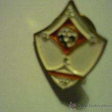 Coleccionismo deportivo: PIN FUTBOL S.S.D LOS REYES. Lote 34598099