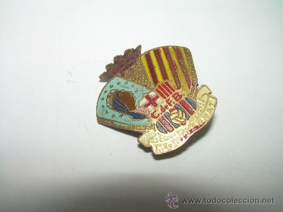 Coleccionismo deportivo: ANTIGUA Y RARA INSIGNIA.....C. DE F. BARCELONA.....MONTSERRAT - Foto 2 - 35417337