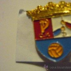 Coleccionismo deportivo: PIN FUTBOL PLIEGO CF. Lote 36282286