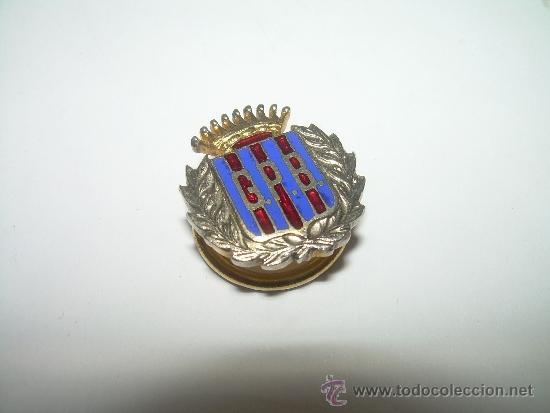 ANTIGUA INSIGNIA ESMALTADA....PEÑA C.F. BARCELONA.....G.P.B. (Coleccionismo Deportivo - Pins de Deportes - Fútbol)
