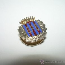 Coleccionismo deportivo: ANTIGUA INSIGNIA ESMALTADA....PEÑA C.F. BARCELONA.....G.P.B.. Lote 36288277