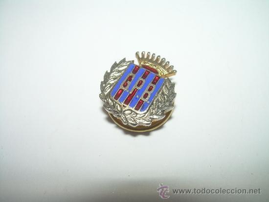 Coleccionismo deportivo: ANTIGUA INSIGNIA ESMALTADA....PEÑA C.F. BARCELONA.....G.P.B. - Foto 2 - 36288277