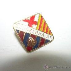 Coleccionismo deportivo: ANTIGUA INSIGNIA.......BARCELONA ATLETIC.. Lote 36693394