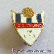 Coleccionismo deportivo: INSIGNIA DEL C.D. VELEÑO DE E Y D. Lote 36858410