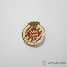 Coleccionismo deportivo: PIN060 PIN O INSIGNIA DEL GIRONA FC. METAL DORADO Y ESMALTE. DE IMPERDIBLE. 1,6 CM. Lote 37781781