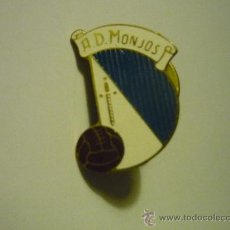 Coleccionismo deportivo: PIN FUTBOL AD MONJOS. Lote 39156640